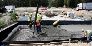 Embedded thumbnail for 19.06.2019 - MD-8 - betonowanie płyt przejściowych w km 5+461, Góraszka