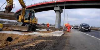 Embedded thumbnail for 13.03.2018 - budowa wjazdów i zjazdów na budowę, Góraszka