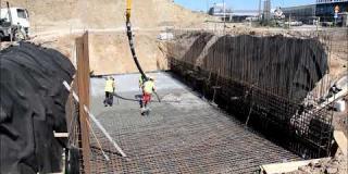 Embedded thumbnail for 04.07.2018 - MD-6 - betonowanie płyty dennej w km 5+127 w Góraszce