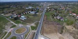 Embedded thumbnail for 20.04.2018 - prace na odcinkach próbnych w Góraszce oraz widok na trasę główną DK17