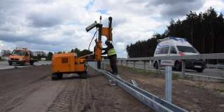 Embedded thumbnail for 20.05.2020 - montaż barier drogowych w km 15+000 - 15+200, Wola Ducka